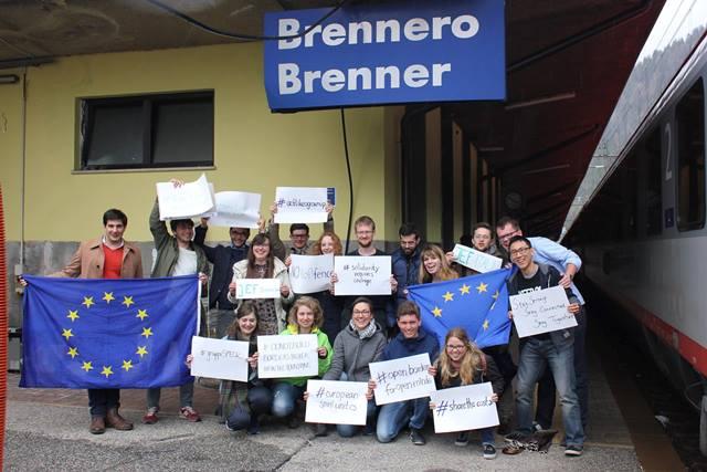 Die JEF an der Brenner Station zum Thema JEF-Kampagne #DontTouchMySchengen