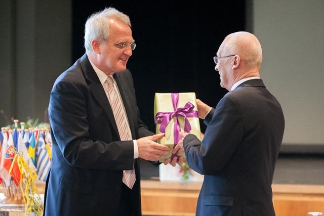 Nach der Eröffnungsrede des EUD-Präsidents Rainer Wieland zusammen mit Oberbürgermeister Dr. Ivo Holzinger