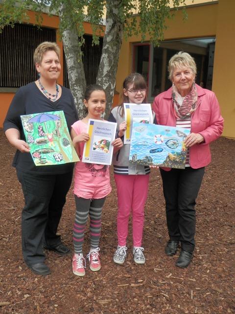 Die Sieger der Saaletal-Schule Hammelburg mit der Schulbeauftragten der Europa-Union Hammelburg Doris Tobisch, sowie der Studienrätin Anja Tobisch