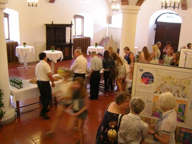 Ausstellung der Arbeiten im Rathaussaal