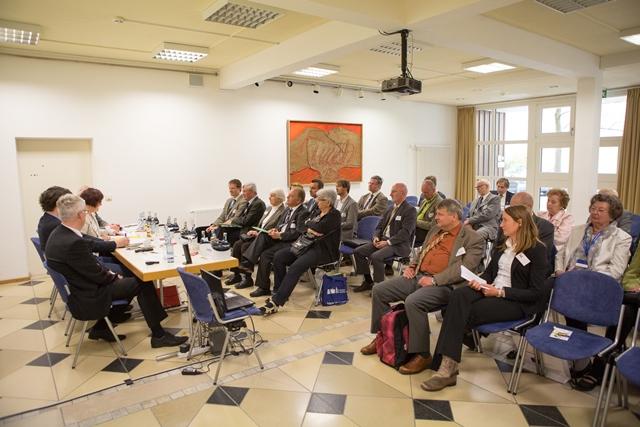 Teilnehmer und Referenten des Bildungskreises Europabildung in Schulen und Kindergärten