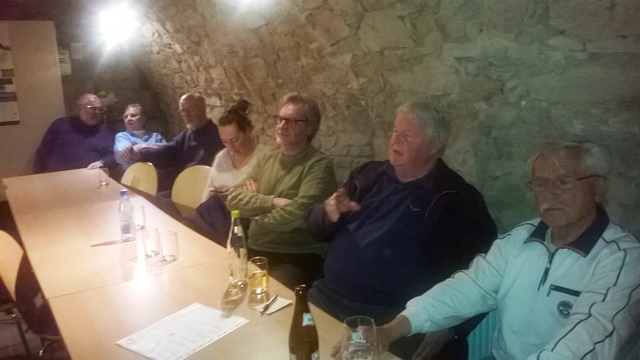 Zuhörer im Clubkeller des Europa-Hauses